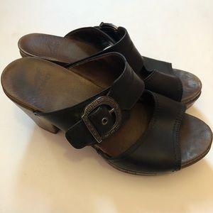"Dansko Ramona Black Sandal | Textured 3.5"" Heel 38"